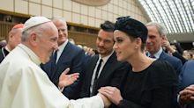 Katy Perry y Orlando Bloom juntos con el Papa