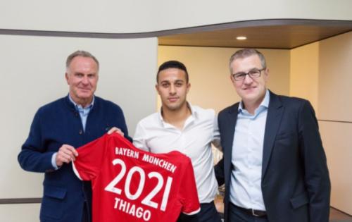 Thiago renova com o Bayern e traça meta: 'Fico até vencer a Champions'