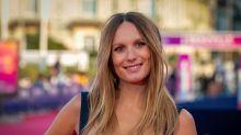 Ana Girardot : teint nude et regard glamour au Festival de Deauville