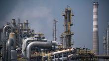 Crude oil plunge challenges renewed faith in 'junk' bonds