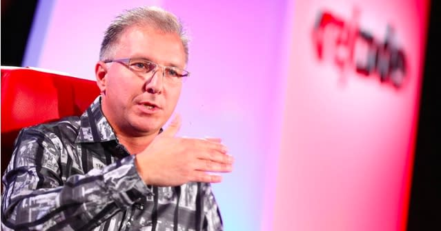 Apple's Greg Joswiak talks about iOS 8.0.1 glitch, Apple Pay and more