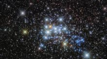 Hubble Telescope Snaps Sparkly Photo of Hypergiant Star's Home