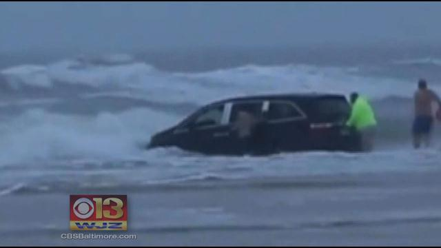Children Rescued After Minivan Drives Into Ocean