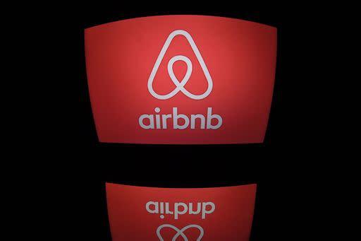 Comune Milano sigla accordo con Airbnb sull\'imposta di soggiorno