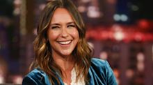 Jennifer Love Hewitt Got A Hair Makeover — & It Looks So Good