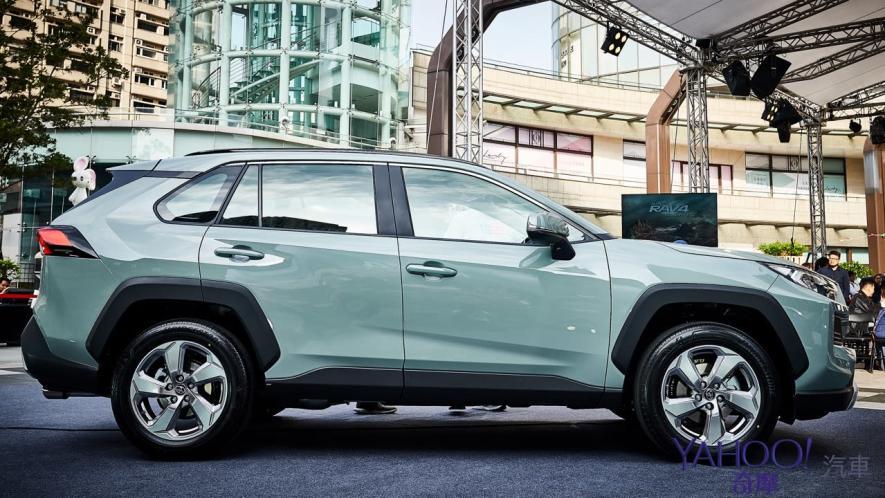 休旅王者霸氣回歸!第5代Toyota Rav4汽油/油電正式登台92.5萬起! - 3