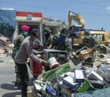 Multiple quakes rock Indonesia's Lombok island, 10 dead