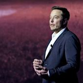 SpaceX's Elon Musk makes the big pitch for his decades-long plan to colonize Mars
