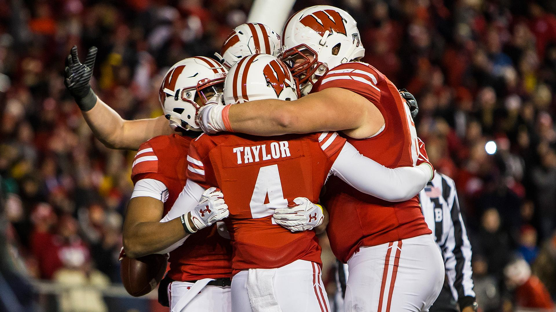 Bowl Projections: Wisconsin's playoff chances are realer than ever