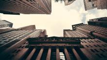 Moving Average Crossover Alert: Deere & Company