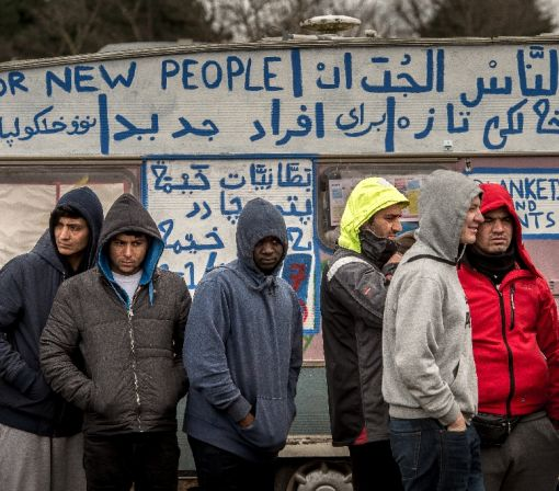 Calais migrants struggle with language barrier