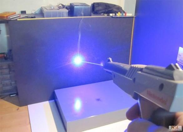 NES light gun gets a laser upgrade, fulfils countless childhood dreams (video)