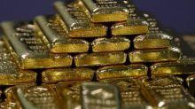 Oro sube leve ante retroceso de dólar, pero se prevé tendencia bajista