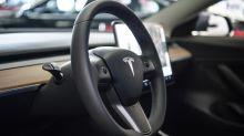 Gericht: Tesla darf nicht mit «Autopilot» werben