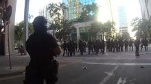 Video muestra a policías que insultan y se ríen de manifestantes contra los que dispararon balas de goma en Florida