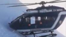 Piloto muestra habilidad increíble para rescatar a un esquiador lesionado