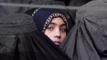 El país donde las mujeres no pueden decir su nombre por miedo a represalias y se las entierra en tumbas anónimas