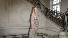 Lluvia de famosas e 'influencers' en el desfile de Dior en París