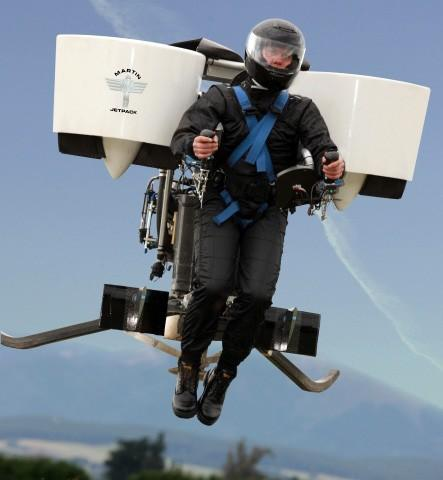 Martin Jetpack priced at $86,000, mere mortals will soon be able to buy one too