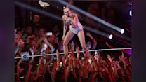 Selena Gomez Mocking Miley Cyrus' VMA Performance?