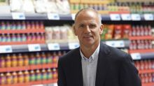 Tesco shareholders vote down £6.4m CEO departure package