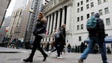 Wall Street recua após resultados da Caterpillar e da Boeing