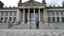 Steinmeier trifft Polizisten nach Einsatz am Reichstag