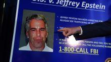 Detienen a Ghislaine Maxwell, excolaboradora de Jeffrey Epstein