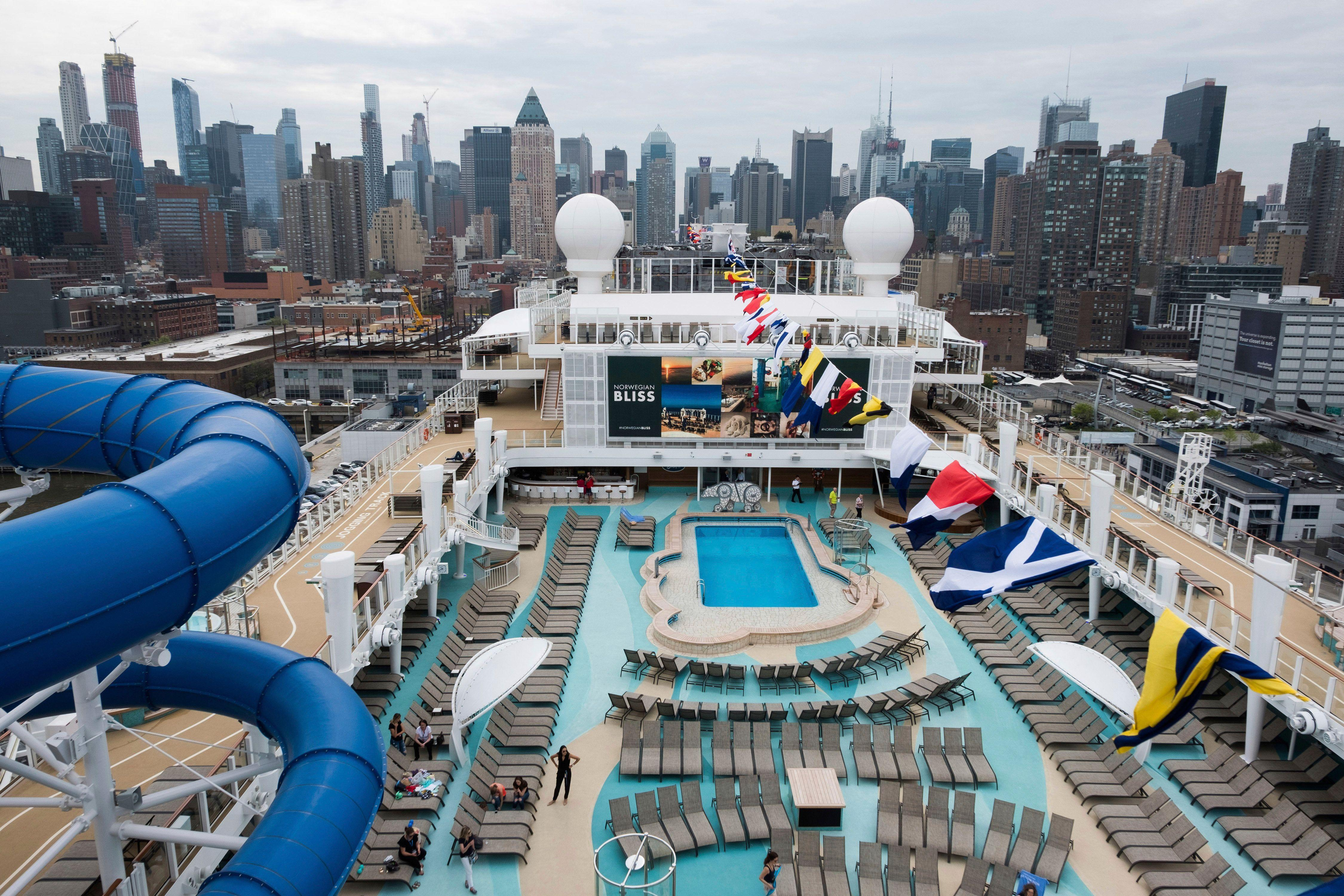 What recession? This cruise line is still packing its massive ships out