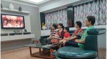 VIRAL: Reel Life Ram Arun Govil Watching Ramayan With His Family