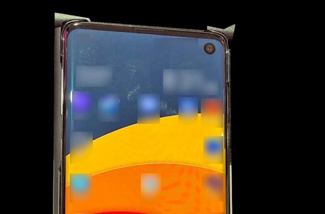 Samsung Galaxy S10 leak shows off its hole-punch display