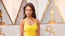 Eiza González trae color a los Oscar, pero no glamour