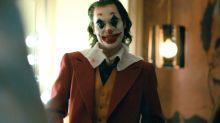 """Joaquin Phoenix y Todd Phillips responden a las críticas mientras las víctimas del tiroteo de Aurora expresan preocupación por """"Joker"""""""