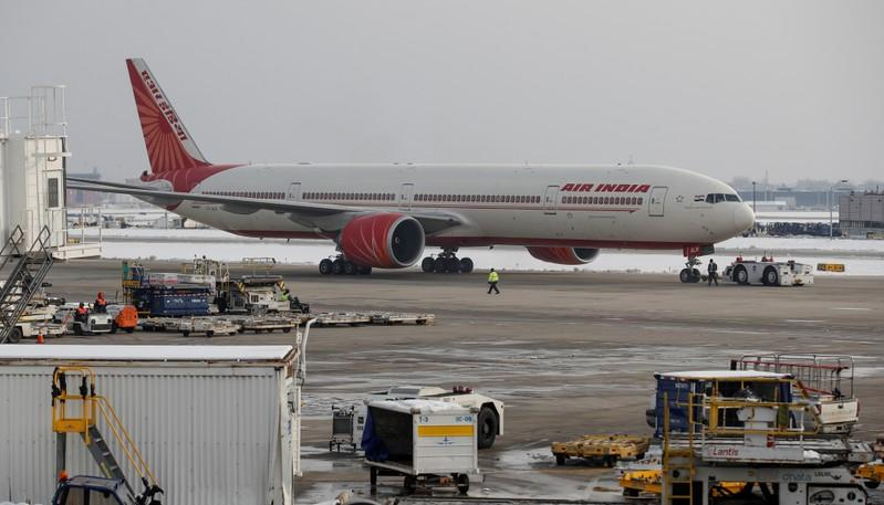 Air India will have to close if not privatised: aviation minister