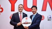 Yum China Welcomes Kentucky Governor and Delegation to China