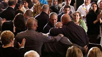 Raw: First Responders Get Standing Ovation