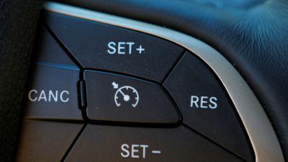 Chrysler recalls 4.8M autos for cruise control defect