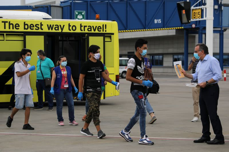Greece relocates group of young refugees to Portugal