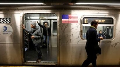 New York Governor Cuomo calls on private sector to help fix subways