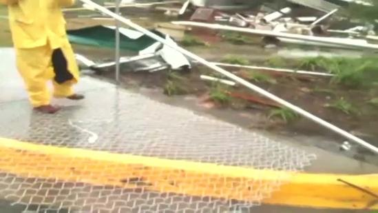 Crews clean up after tornado hits USM, Hattiesburg