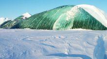 Científicos creen haber descifrado el misterio de los raros icebergs verdes de la Antártida