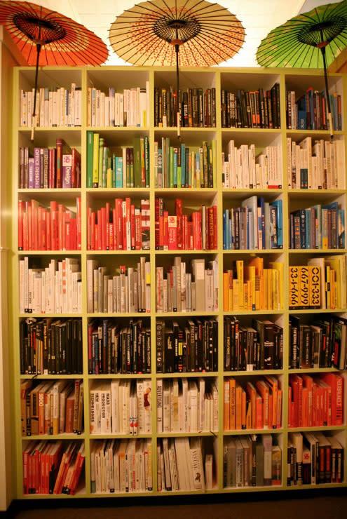 Ideas para acomodar y decorar libreros