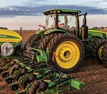 How Does Deere's (NYSE:DE) P/E Compare To Its Industry, After The Share Price Drop?