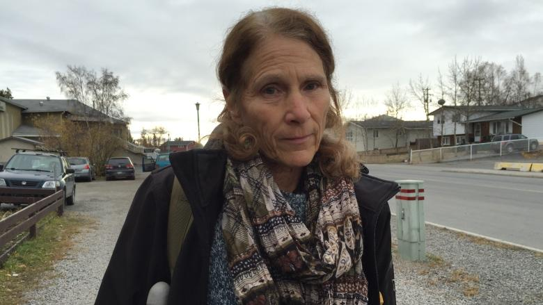 Yellowknife woman suing city after fall on icy sidewalk