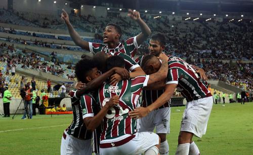 Flamengo e Fluminense confirmam favoritismo e vão decidir Carioca