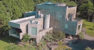 一家5口貧窮翻身 砸2億宜蘭造城堡
