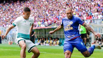 Com 10, Bahia busca empate contra o Goiás