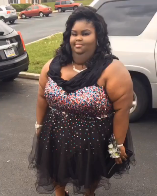 2931836bb4 Girl fires back at online bullies for trolling her prom picture