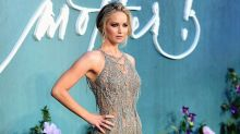 Jennifer Lawrence deslumbra durante la premiere de Mother!