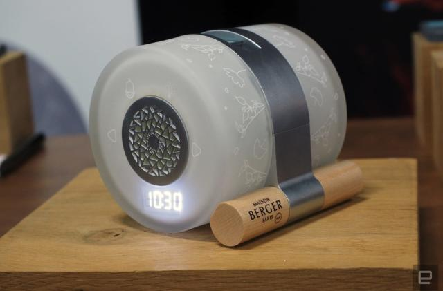 Sensorwake's olfactory alarm clock is now the 'Night and Day Diffuser'